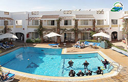 Camel Hotel & Dive Club